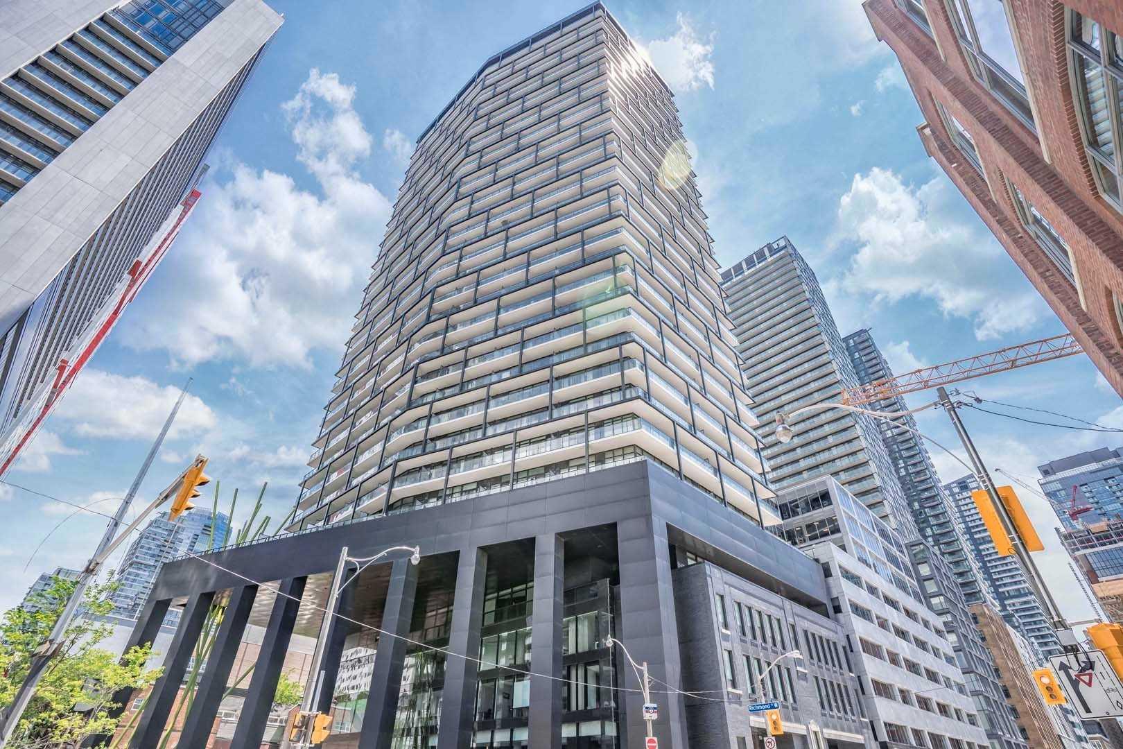 House For Sale Unit 3312, 125 Peter St, M5V0M2, Waterfront Communities C1, Toronto