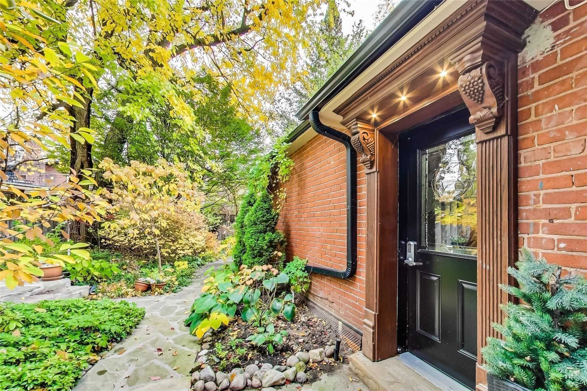 House For Rent Unit Coach, 29 Scarth Rd, M4W2S5, Rosedale-Moore Park, Toronto