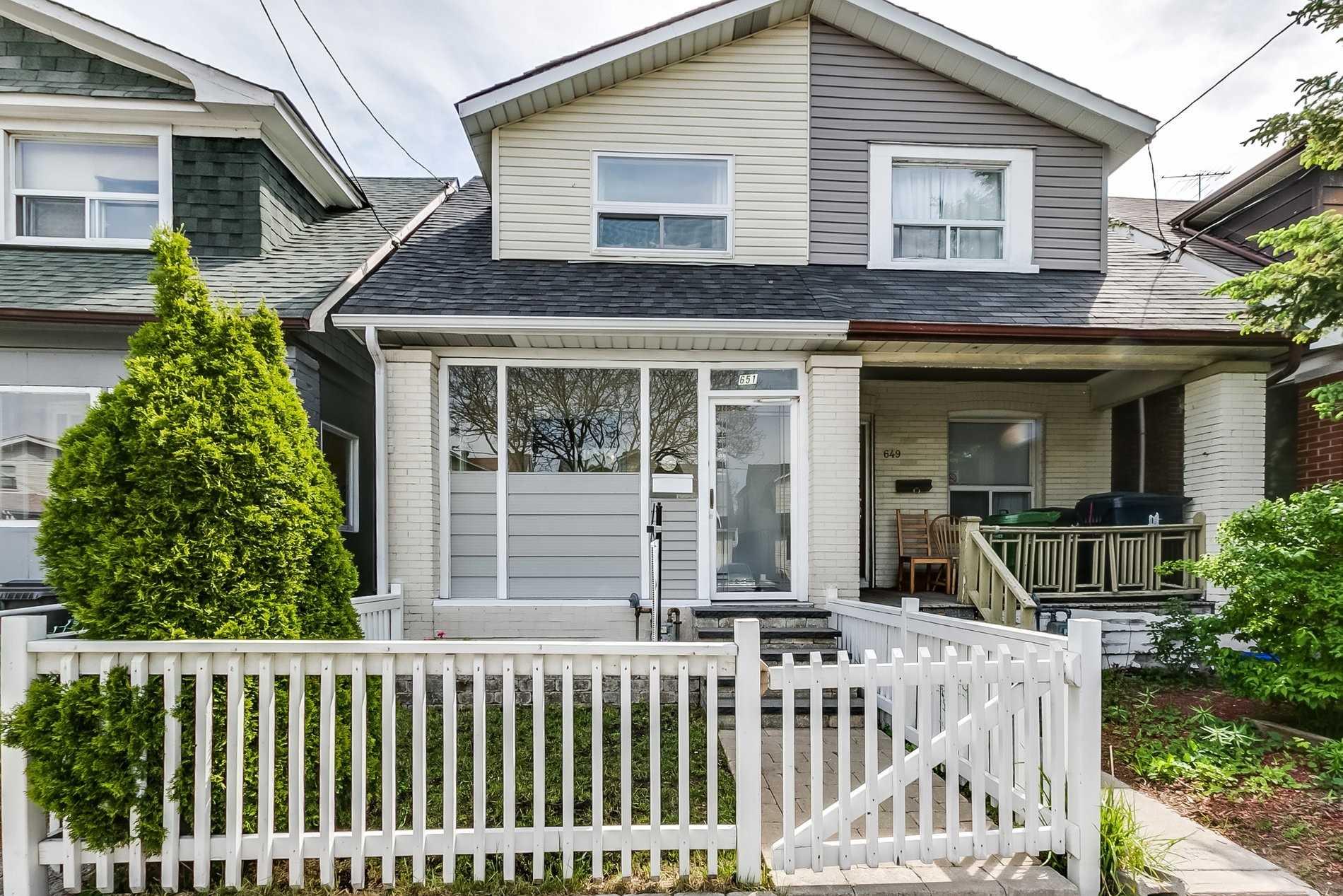 House For Sale 651 Coxwell Ave, M4C3B8, Woodbine Corridor, Toronto